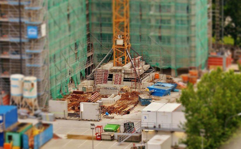 Adekwatnie z aktualnymi nakazami nowo budowane domy muszą być oszczędne.